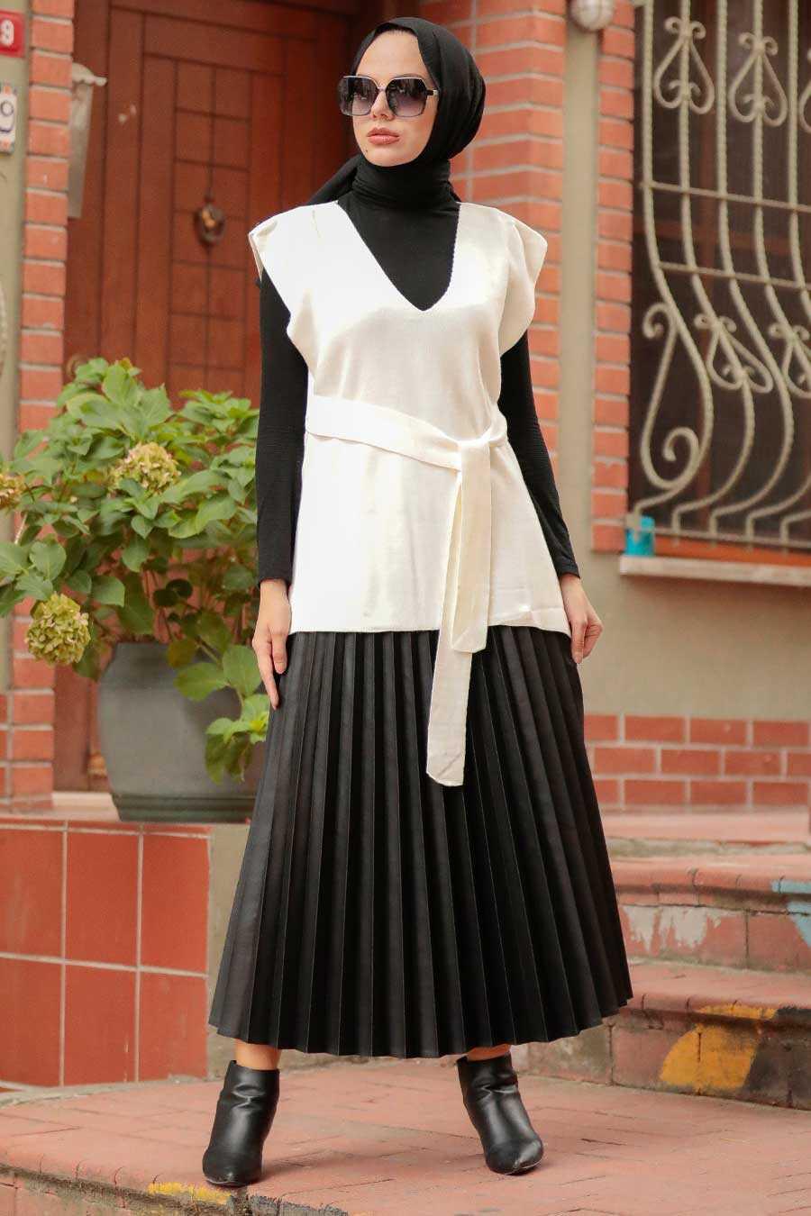 Ecru Hijab Knitwear Sweater 46500E